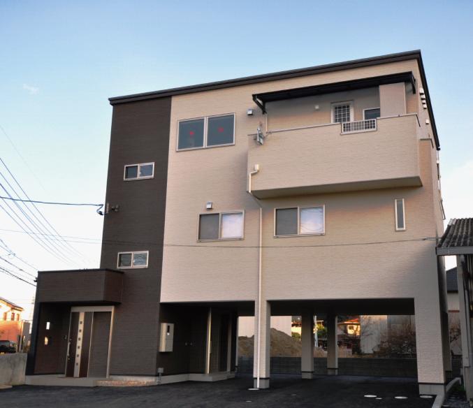 高岡建設工業(株) TKホーム 自慢のテラスとホームエレベーター付き N様邸