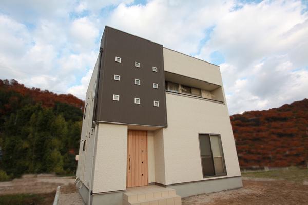 株式会社近藤建設興業 『ハンモックが揺れるキューブの家』