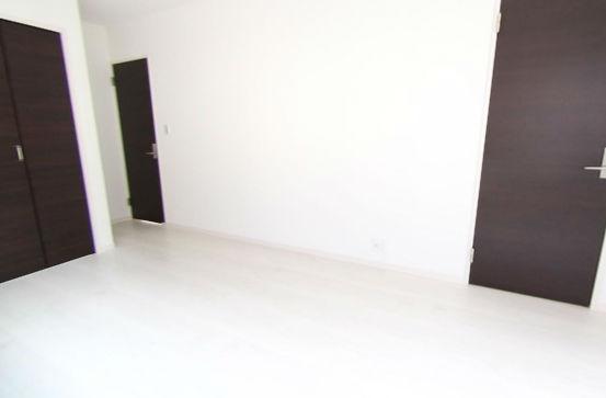 ご家族が増えてお部屋が必要になったら間仕切りして2部屋にすることができます!