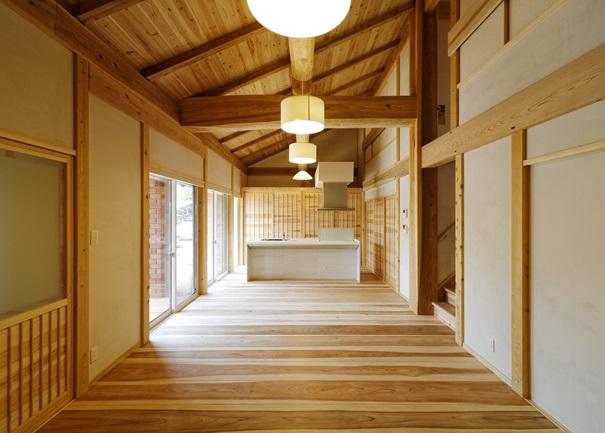 ぬくもりのある自然素材を使用し、四季を通して快適な空間を実現。