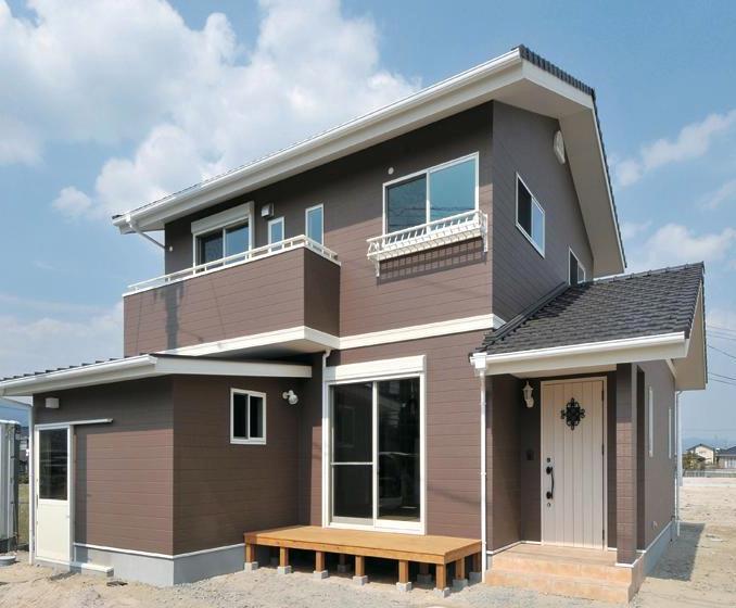 株式会社永見工務店『バイクインガレージのある家』
