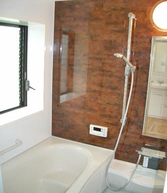 脱衣場のない寒いお風呂は脱衣場を別にし、暖房換気乾燥機付のユニットバスに・・・。お掃除も簡単で快適なくつろぎ空間に。