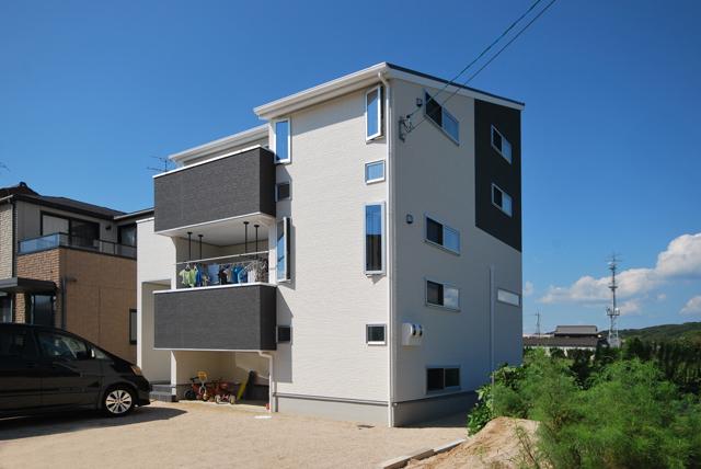 有限会社まきび住建『スタイリッシュさと楽しいが融合した6層住宅』