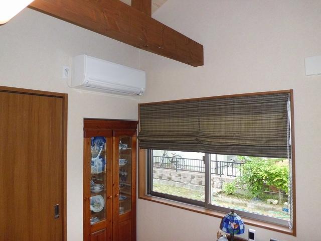 お気に入りの家具も新居にピッタリ納めて。ワンちゃんがぶつからないようにオーダーメイド感覚で計画します。