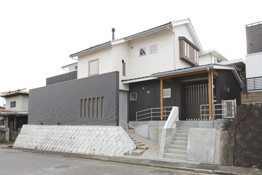 株式会社掛谷建設『羽島の家~薪ストーブと暮らす~』