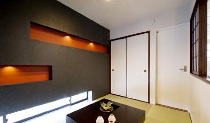 書斎コーナーと同じくスキップフロアにある和室。障子を開けるとLDKと繋がる、家族の絆を育む設計です。