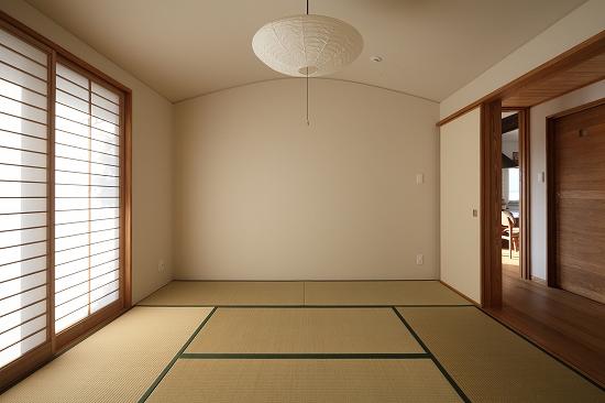 アールのついた天井は、和室を優しくみせてくれます。