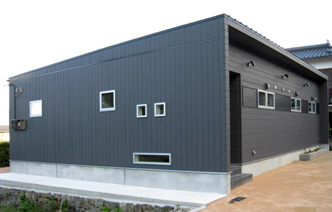 髙山産業株式会社『シンプルな形をしたモダンな平屋住宅』
