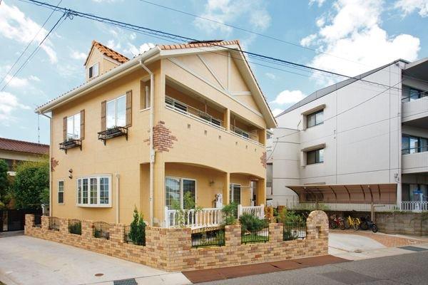 サラサホーム福山株式会社アペル 「木のやさしい香りに包まれた家」