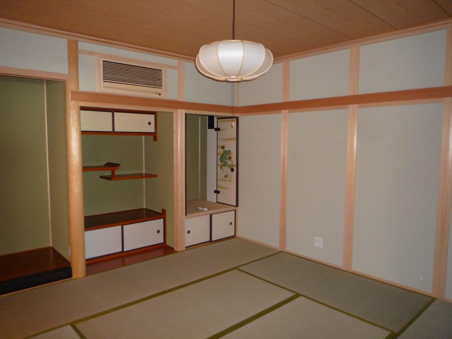 天然木やけいそう土など、自然素材をふんだんに使った本格的な和室