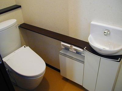 シックで、清潔感のあるトイレ。