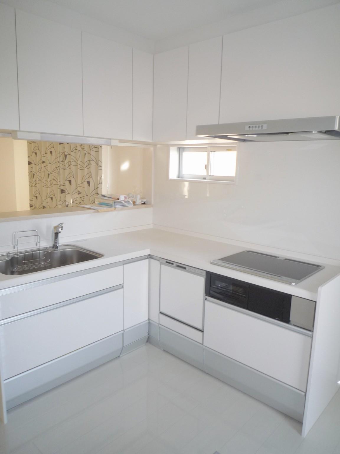 使いやすい対面式のキッチン