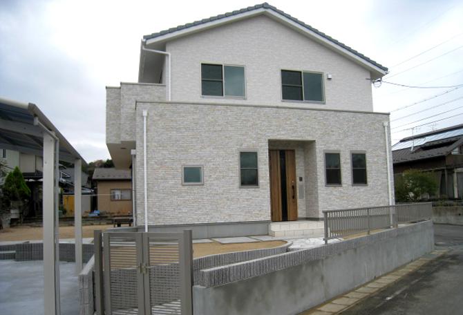 髙山産業株式会社『安らぎの和室と坪庭のある家』