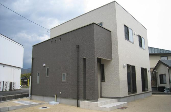 髙山産業株式会社『四角四面のコンパクトハウス』