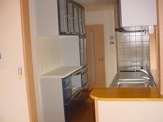 キッチンは、IH、食器洗い機付で、家事もらくらく。