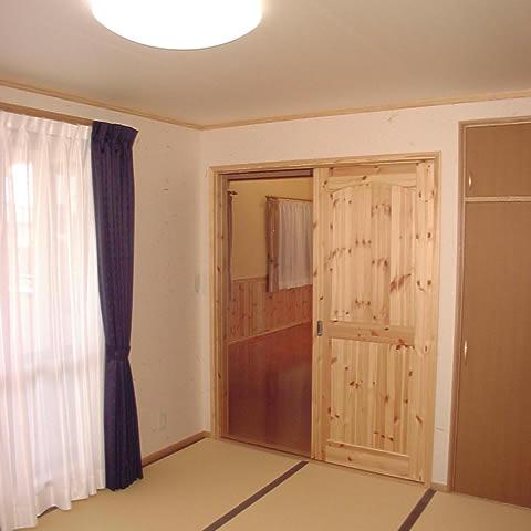 【寝室】 部屋の使用用途によって和風にも洋風にも変える事が出来ます。