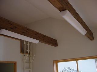 2Fベットルームは、傾斜天井でロフト付、室内ひろびろでも、外断熱で室内ポカポカ。
