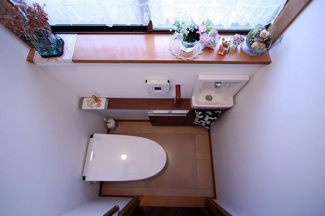お手入れしやすいハイドロセラ・フロアを使用した床