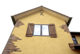 本場府中家具の職人さん手作りの壁飾。