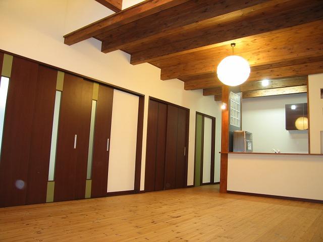 LDKには天井も天然木を使用。思いっきり深呼吸できます。
