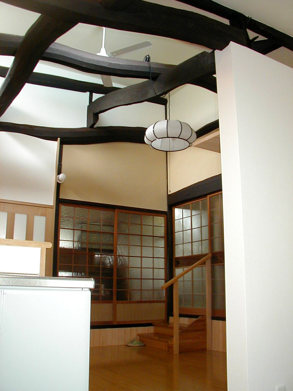 有限会社吉弘建設 『天井をとり、天井裏の梁を見せたLDK』