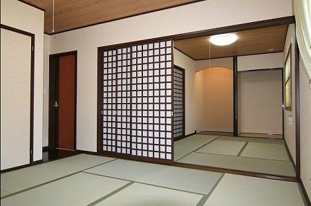 二間続きのモダンな和室は心和む空間になりました。
