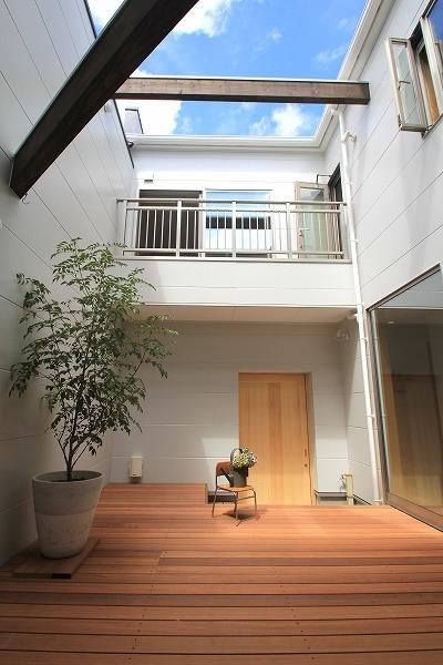 株式会社トピア『中庭でつながる家』