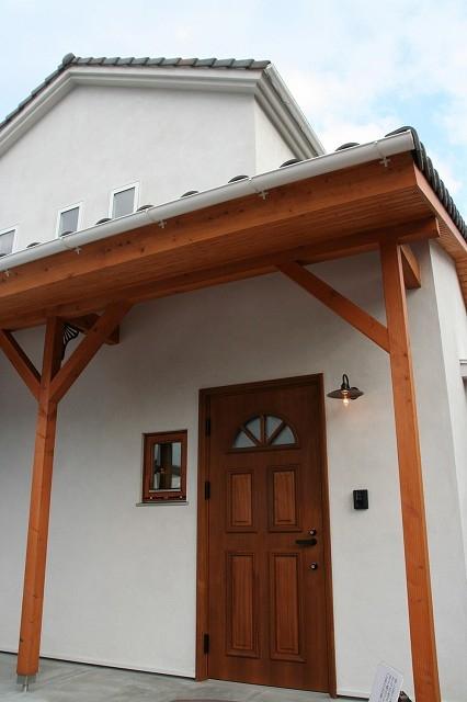 株式会社トピア『木と漆喰の家』