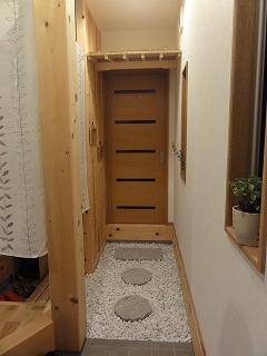 玄関~和室の入口