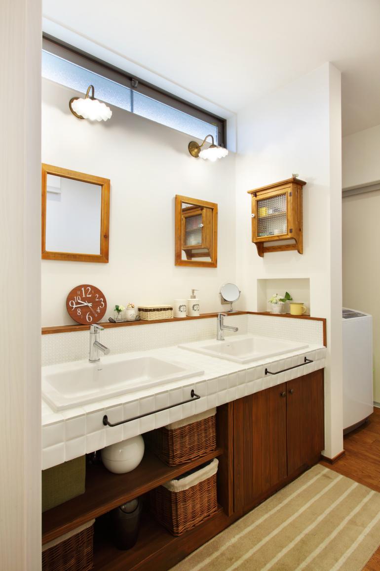 2個の洗面スペースで朝の混雑を解消