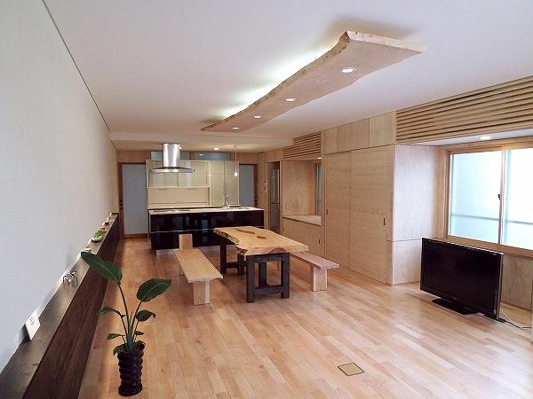 株式会社小橋工務店 『建築家と建てた「集う家」』