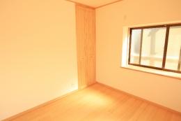 2階 和室から洋室になりました☆