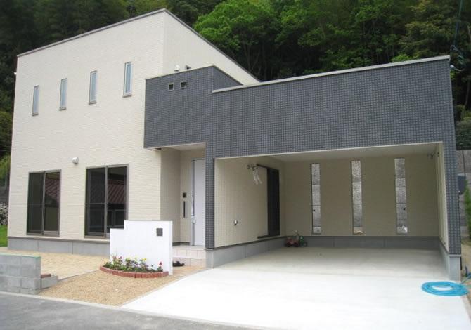 髙山産業株式会社『大切な家族と愛車とともに暮らすインナーガレージの家』