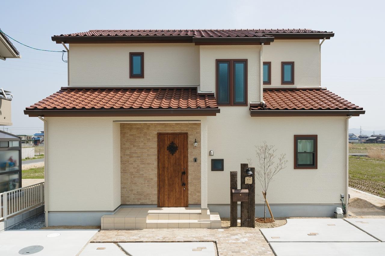 株式会社デザイナーズハウス木屋 『自然と家族が集まる明るく広いリビングの家』