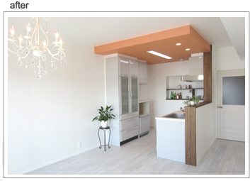 間仕切りを撤去し、2部屋から広くて明るいLDKに。カフェ風キッチンには広いニッチの棚があって便利です!