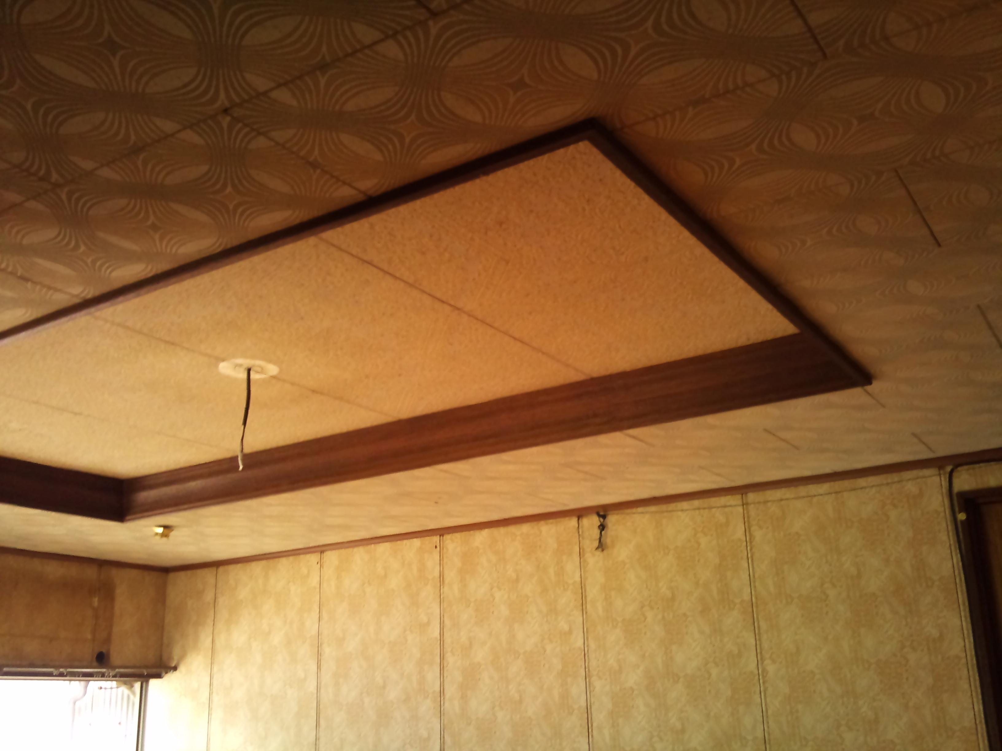 改装前。天井