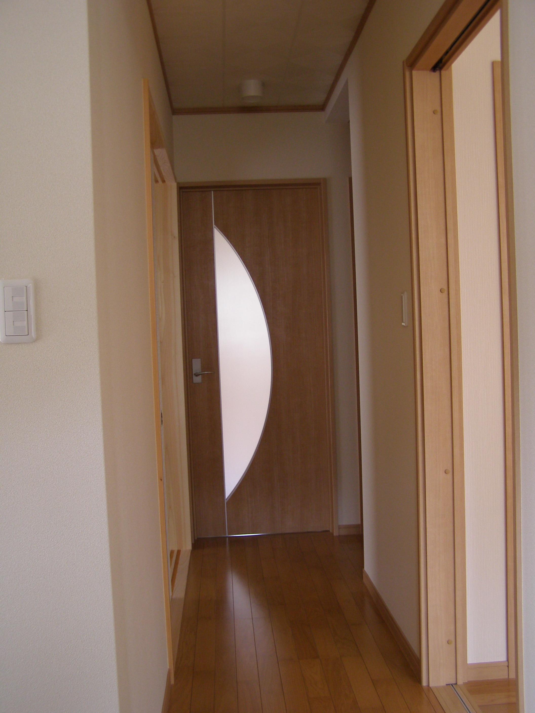 玄関から居間への通路
