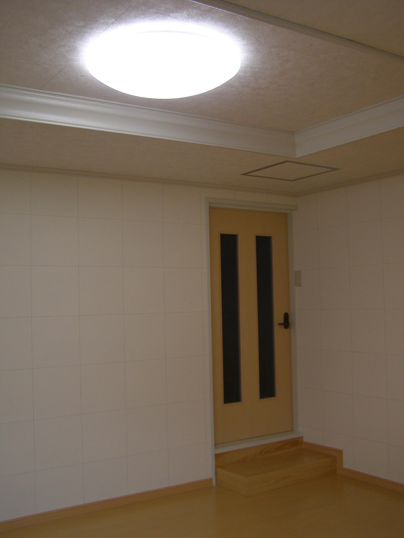 改造後。以前に比べて、とてもナチュラルで明るい部屋になりました。