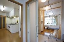 キッチンからユーティリティとお風呂、寝室がつながっている回廊式。