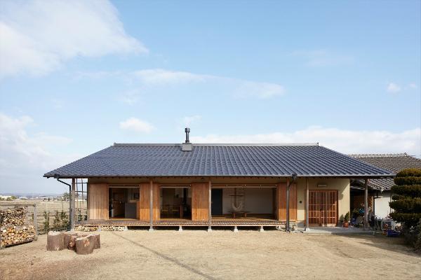 株式会社なんば建築工房『田園風景に溶け込む「大屋根の和風平屋住宅」』