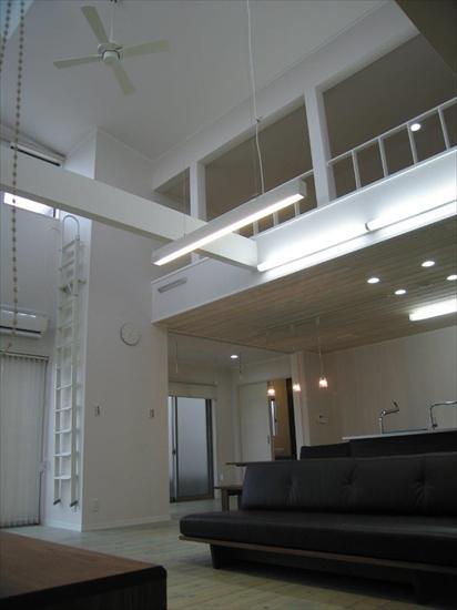 株式会社おかやま住宅工房『光が溢れる白い家』