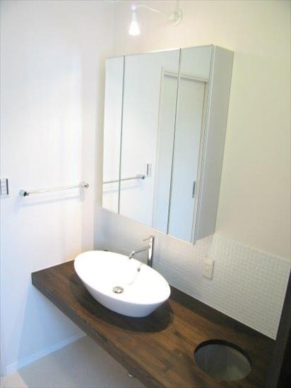 スタイリッシュで使い勝手のよい洗面室