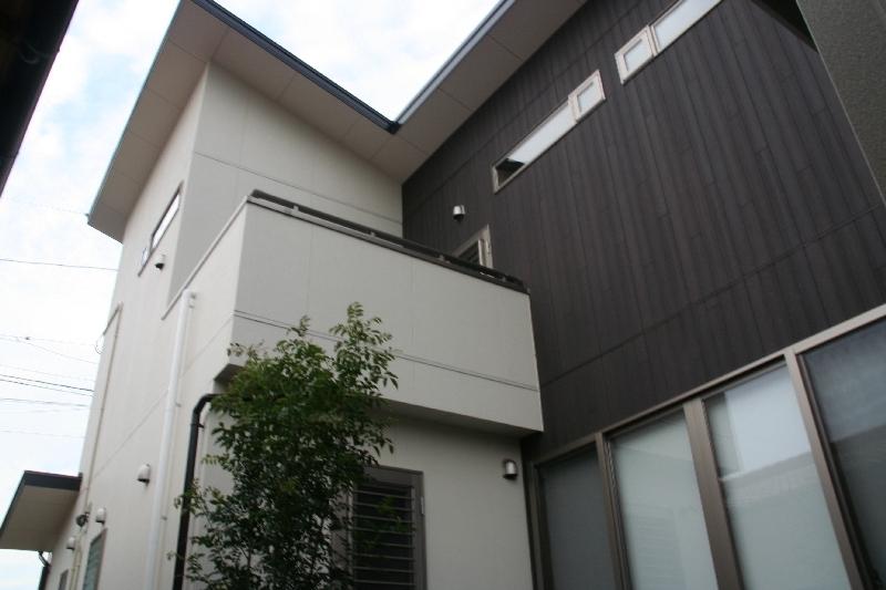 株式会社トピア『平庇と見世庭のある家』