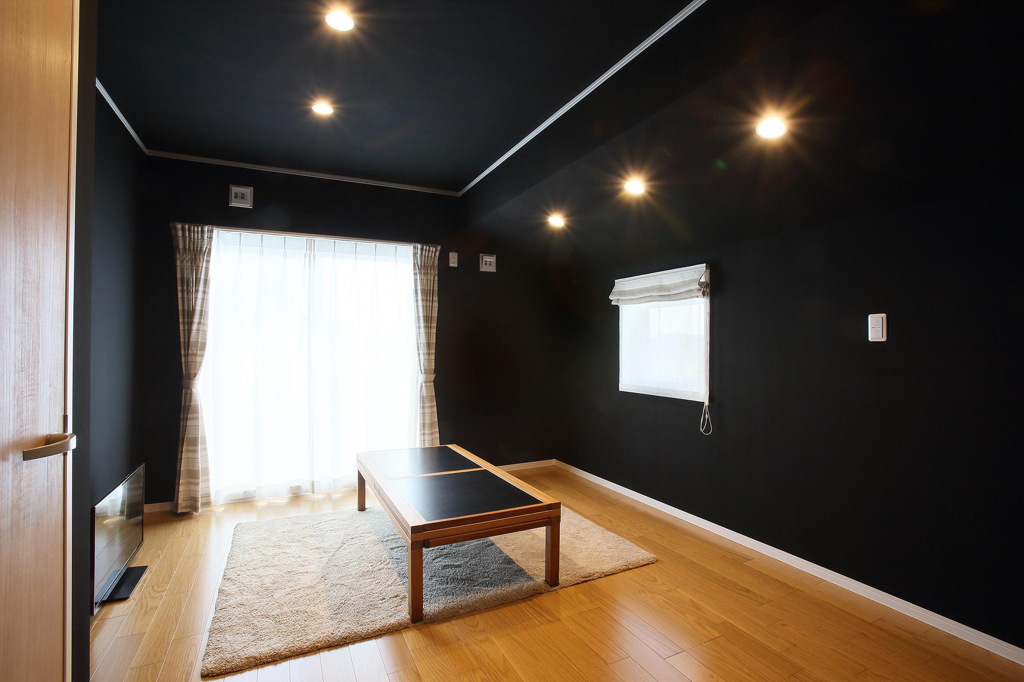 寝室は炭の力でイオンバランスを整えるICASの部屋