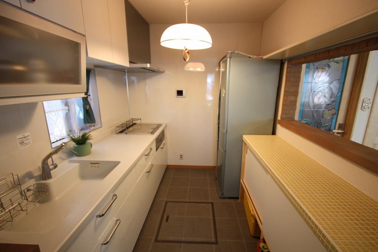キッチンもタイルを使用しました。