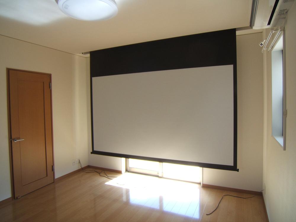 プロジェクター室。