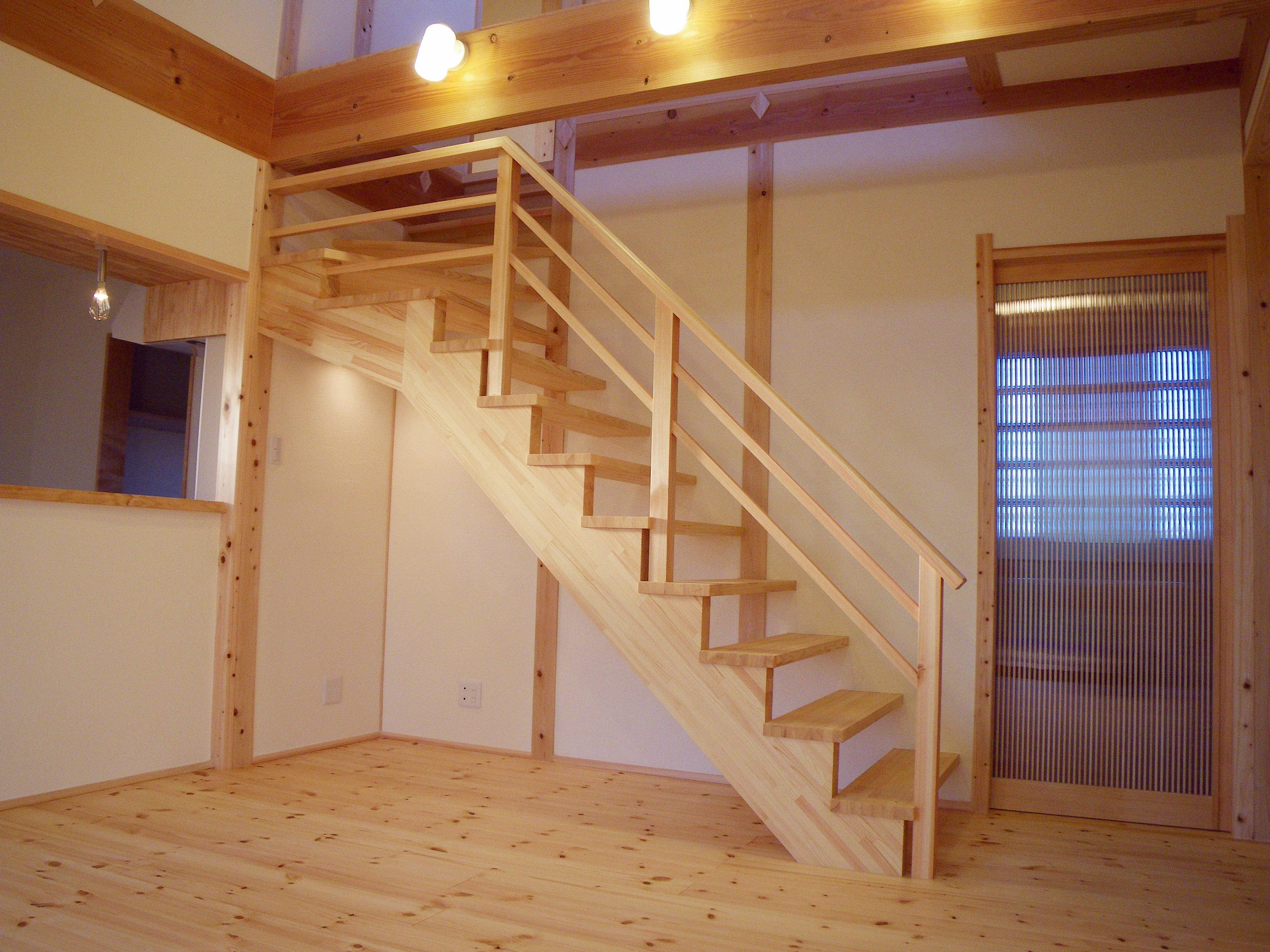 ダイナミックなリビング階段