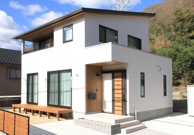 サンキョウハウジング 株式会社 「木の素材感が魅力的な家」