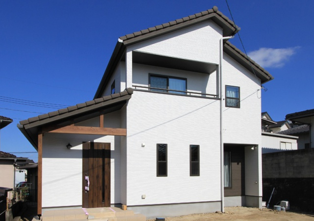サンキョウハウジング 株式会社 「自然素材の心地よさが漂う家」