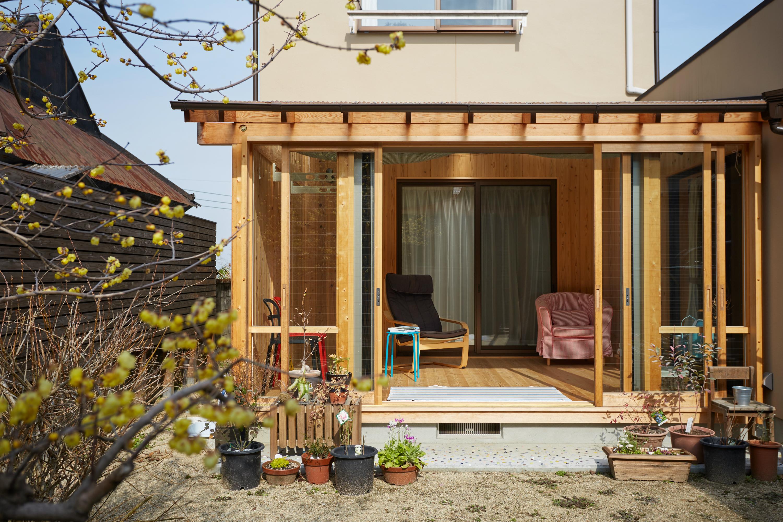 サンルームは中と外を繋ぐ心地よい空間